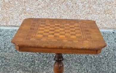 Games table, Chess - Walnut, Bois de Rose - Early 20th century