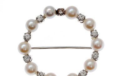 Pearls and diamonds brooch, mid 20th Century.