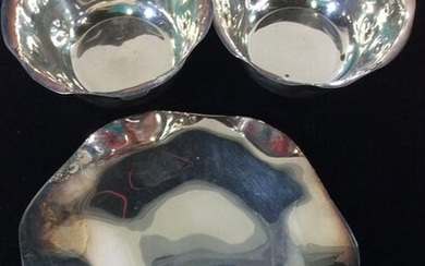Set 3 Hammered Bowls And Plate