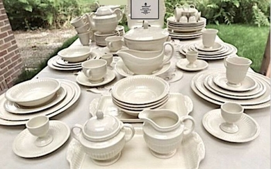 Wedgwood - Exclusive and complete Table service 6-12 Pers. - with Etagere (100) - Art Nouveau - Ceramic - Edme