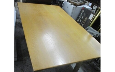 This lot has been withdrawn A light oak contemporary kitche...