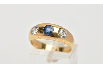 AN EARLY 20TH CENTURY 18CT GOLD DIAMOND AND SAPPHIRE RING, t...
