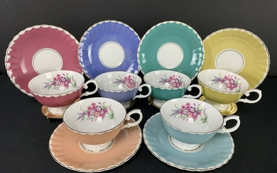 Lot 6 Susie Cooper Tea Cups And Saucers