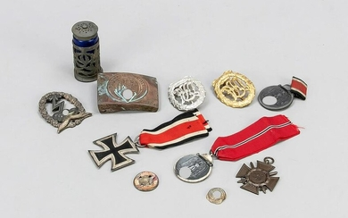 mixed lot of orders and badges (1