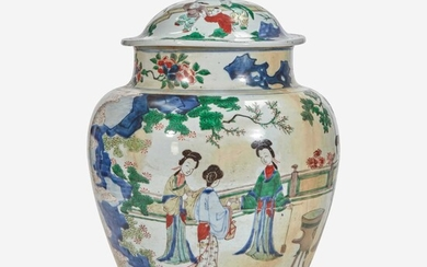 A Chinese wucai-decorated porcelain large jar and cover 五彩带盖大罐 17th century 十七世纪