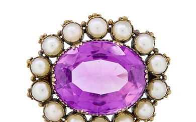 ANTIQUE AMETHYST AND PEARL BROOCH, set with a central oval a...