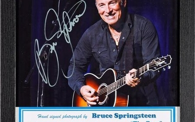 Bruce Springsteen Signed Photo/ Pick