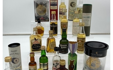 A Selection of collectable whisky miniatures to include Old ...