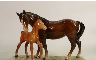 Beswick mare & foal on base 953: Early first version on rect...
