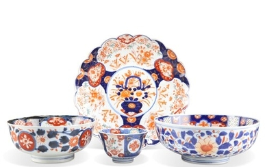 FOUR PIECES OF LATE 19TH/EARLY 20TH CENTURY JAPANESE IMARI P...
