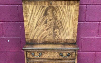 Good quality Georgian style mahogany secretaire chest with two top drawers, fall front with fitted interior and four drawers below on bracket feet, 62cm wide, 42cm deep, 138.5cm high