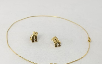 18 kt. Yellow gold - Earrings, Necklace with pendant, Set - 0.03 ct Diamonds