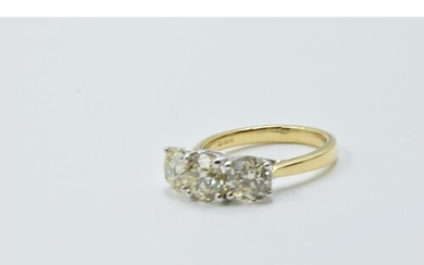 18ct White and yellow gold four claw diamond trilogy ring, t...