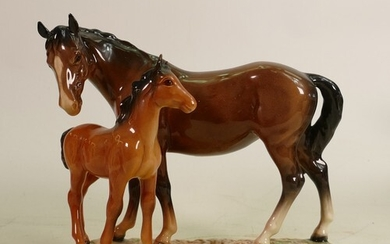 Beswick mare & foal on base 953: Early version with foal wit...