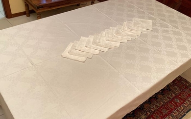Exceptional table cloth for 24 people in cotton Flanders - Cotton - First half 20th century