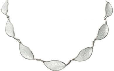 Willy Winnaess for David-Andersen silver necklace of leaf-shaped links with white guilloche enamel - 925/1000....