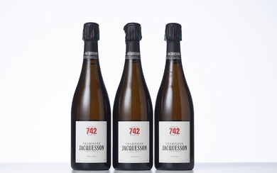 3 Bouteilles CHAMPAGNE EXTRA-BRUT CUVEE N° 742 Année : NM Appellation : Jacquesson Remarques :...
