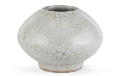 A CHINESE CERAMIC CALLIGRAPHY VASE. 15TH - 16TH CENTURY.