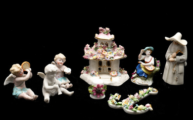 A GROUP OF PORCELAIN FIGURINES AND CABINET ITEMS.
