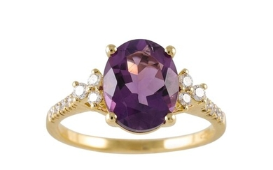 AN AMETHYST AND DIAMOND RING, the oval amethyst to diamond s...