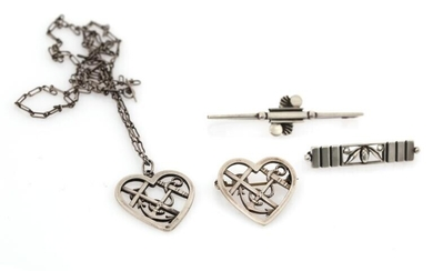 Georg Jensen, Oscar Gundlach-Pedersen , Vilhelm Albertus: A jewellery collection of silver and sterling silver comprising three brooches and a necklace. (5) – Bruun Rasmussen Auctioneers of Fine Art