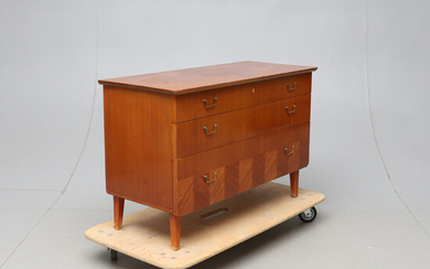 Chest of drawers, mid-20th century.