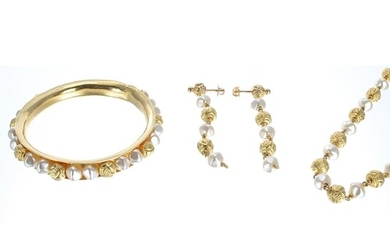 Gold and pearl set bangle, necklace and earrings, 80.1gm (1...