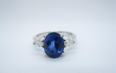 A Sapphire and Diamond three stone Ring claw-set oval-cut sa...