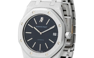 Audemars Piguet. Limited Edition and Extremely Well-Preserved Royal Oak Automatic Wristwatch in Steel, Reference 1480ST, With Box, Warranty and Additional Links