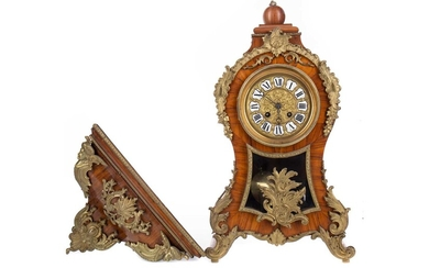 A FRENCH KINGWOOD BRACKET CLOCK OF ROCOCO DESIGN AND WALL BRACKET
