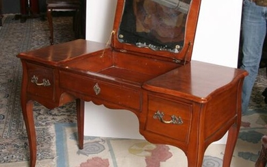 Fruitwood Poudre Vanity, Queen Anne Style Fruitwood