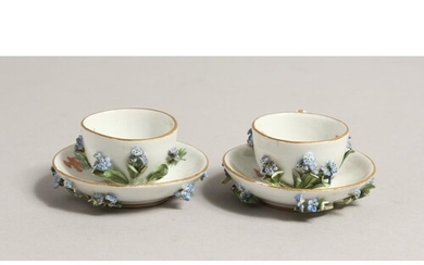 A MINIATURE PAIR OF 19TH CENTURY MEISSEN ENCRUSTED CUPS AND ...
