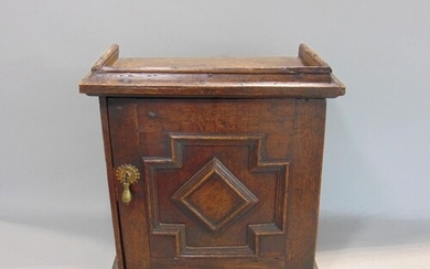Good early Georgian table top spice box with split mould typ...
