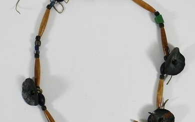 NORTHERN PLAINS SIOUX INDIAN TRADING BEAD NECKLACE