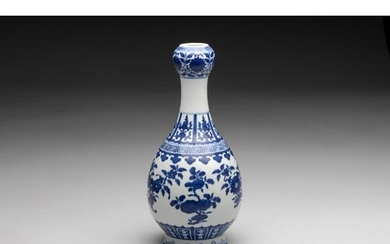 A CHINESE BLUE AND WHITE GARLIC-MOUTH VASE, QIANLONG STYLE, ...