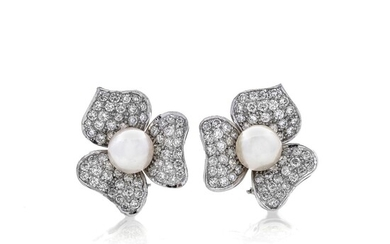 Pair of flower earrings in white gold, diamonds and cultured pearls