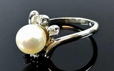 Ladies 14K Gold Diamond and Pearl Ring