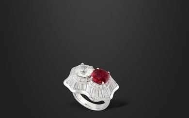 DIAMOND, RUBY AND GOLD RING