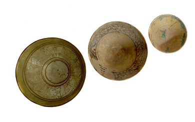 A LOT OF 3 ANTIQUE ISLAMIC POTTERY BOWLS 12-13 C.
