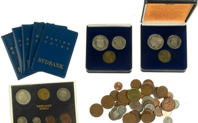 Collection coins and medals in box, products KNM incl. FDC...