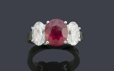 Important ring with oval cut ruby of
