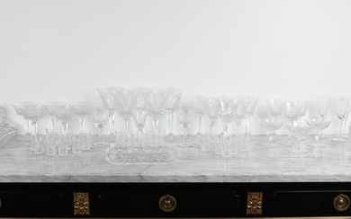 LARGE GROUPING OF CUT CRYSTAL & GLASSWARE
