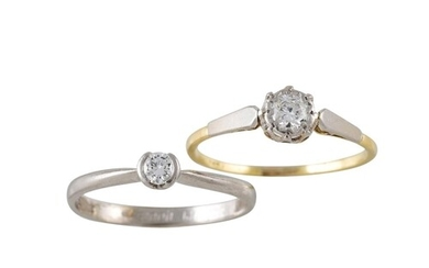 A DIAMOND SOLITAIRE RING, the old cut diamond mounted in yel...