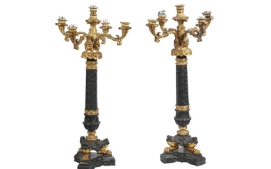 A PAIR OF PATINATED BRONZE AND GILT BRONZE FIVE LIGHT CANDELABRA, LATE 20TH/21ST CENTURY