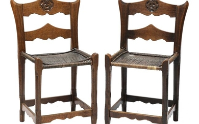 A pair of Abramstevo Colony-style oak side chairs