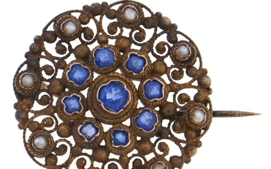 A seed pearl and blue paste openwork brooch, in gold, 3.4g