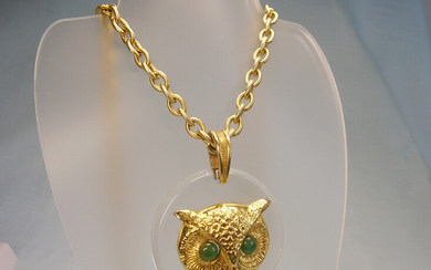 NECKLACE OWL WITH JADE EYES NECKLACE OWL WITH JADE-EYES.